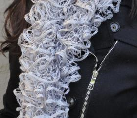 Fishnet Scarf, Gray sashay